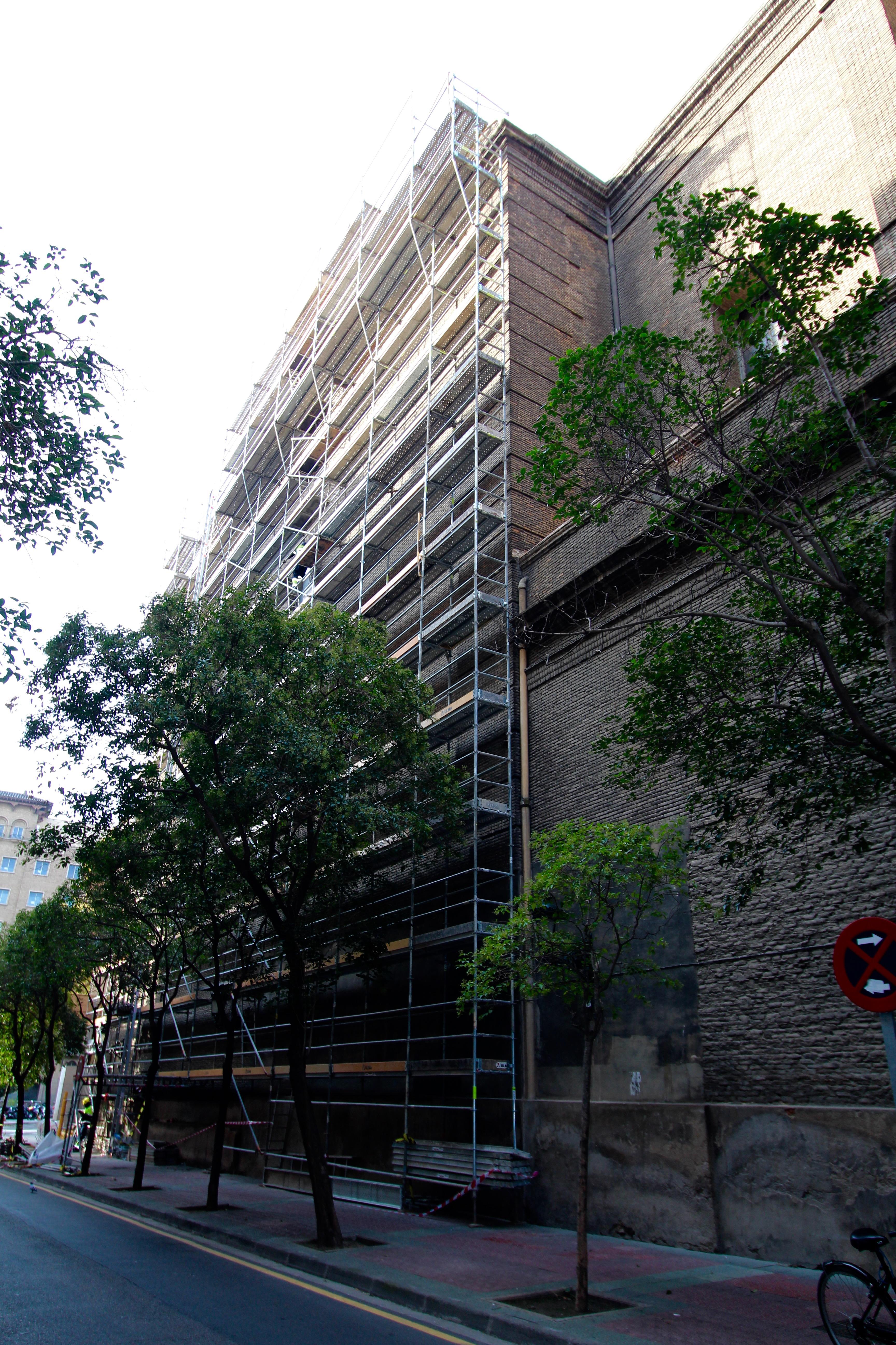 Imágenes de las obras que se están llevando a cabo en la fachada de D. Hernando de Aragón